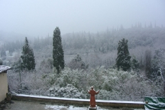 Monastery of Sargiano: the large Cloister covered by the snow